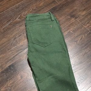 No boundaries skinny jeans size 1. Olive green